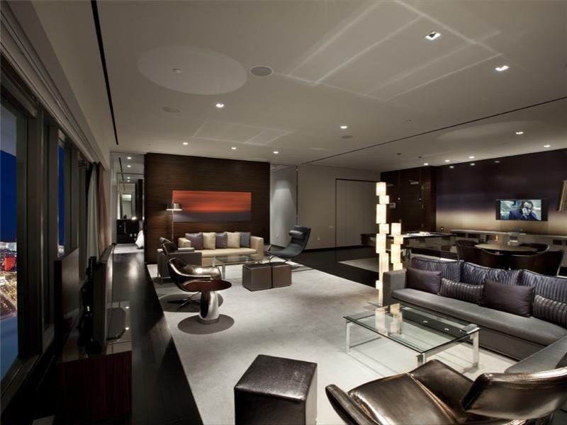 Extravagant and Modern Interior Apartment Design by Mark Tracy