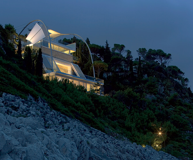 Mediterranean cliffside villa takes full advantage of its location