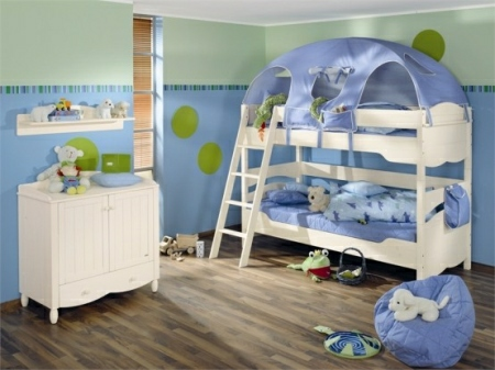Funny-Play-beds-for-cool-kids-room-design-by-Paidi-11-554x415