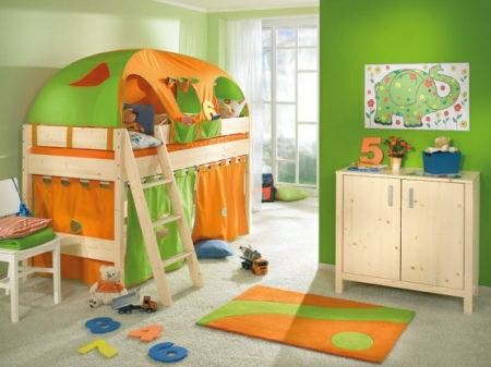 Funny-Play-beds-for-cool-kids-room-design-by-Paidi-2-554x415