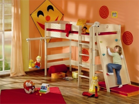 Funny-Play-beds-for-cool-kids-room-design-by-Paidi-6-554x415