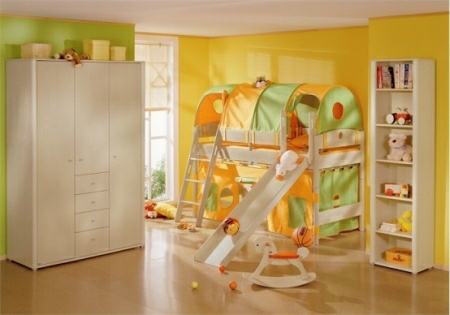 Funny-Play-beds-for-cool-kids-room-design-by-Paidi-7-554x388