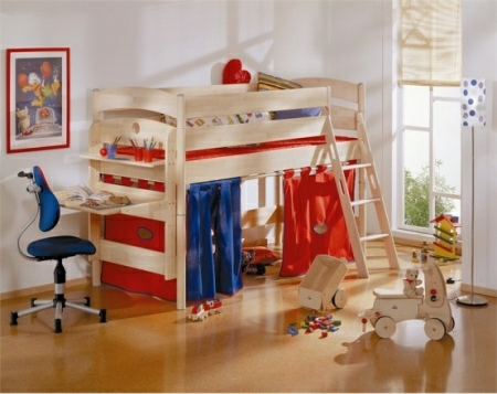 Funny-Play-beds-for-cool-kids-room-design-by-Paidi-8-554x440
