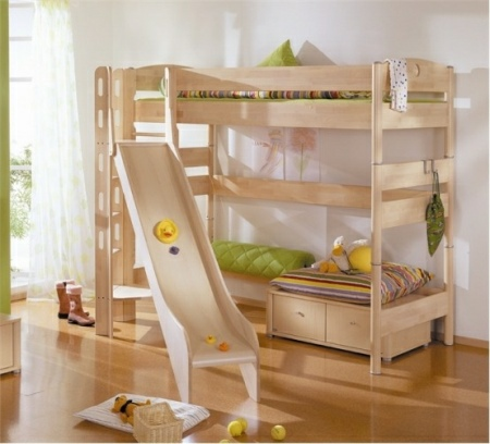 Funny-Play-beds-for-cool-kids-room-design-by-Paidi-9-554x502
