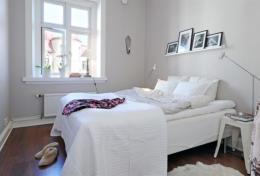 Small But Perfectly Balanced Apartment Puts The Nordic Style Right - Arsenalsgatan-4-a-king-height-apartment