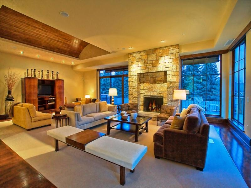 Elegant Five Suite Luxury Penthouse With Deluxe Wine Cellar In Ketchum Nice Look