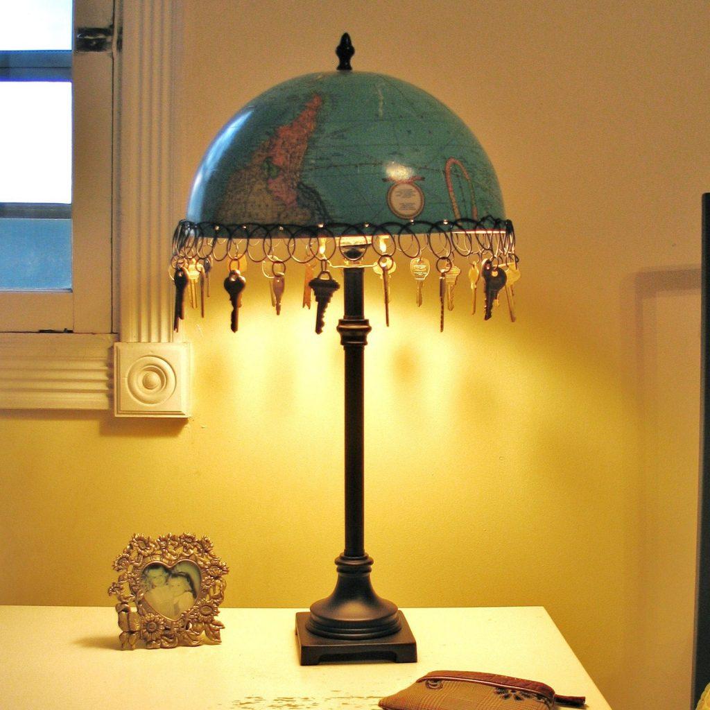 recycling light Key And Globe Lamp