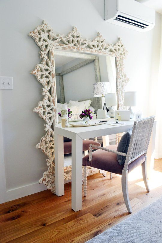 How To Pick A Bedroom Vanity Set