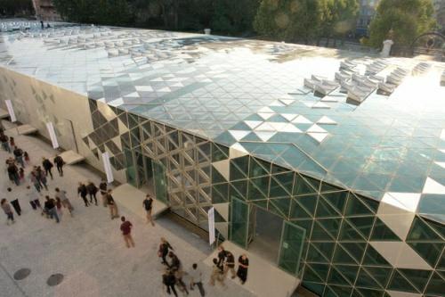 Solar Powered International Design Center Revealed Mathwatson - Mariners-reach-penthouse-brisbane-designer-mirvac