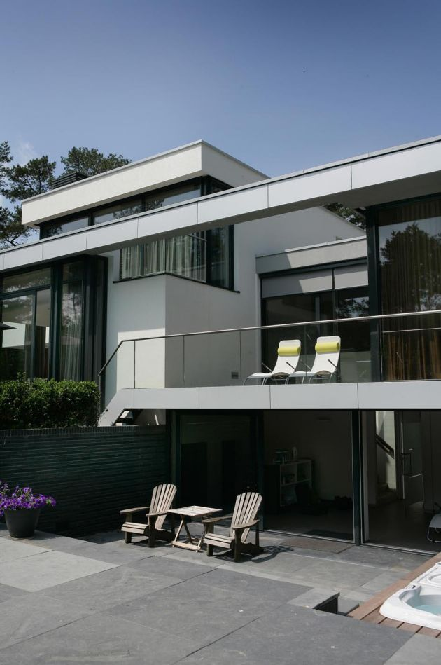 Modern house in the Netherlands is the clical dream home on the originals house, john deere house, chicago fire house,