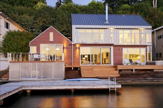 House-on-Lake-That-Occupies-the-Border-Between-Land-and-Water-1-554x368