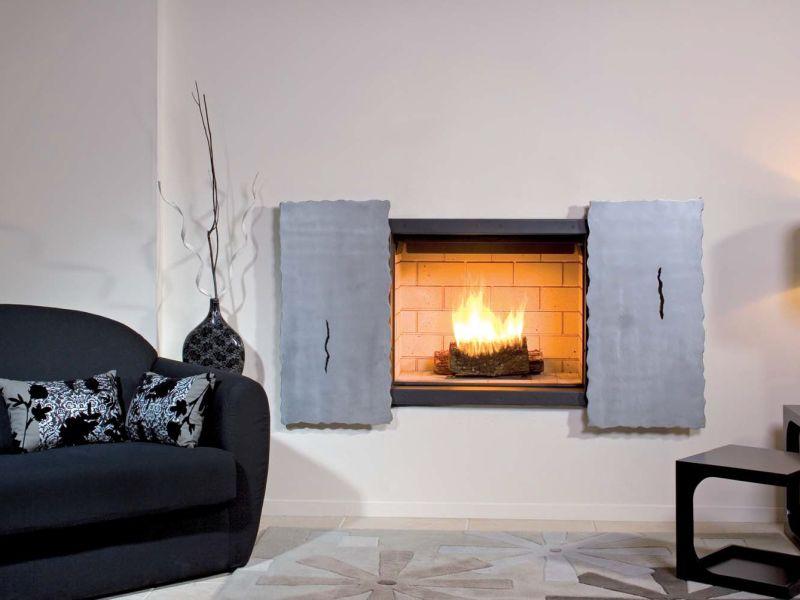 Wall mounted steel fireplace
