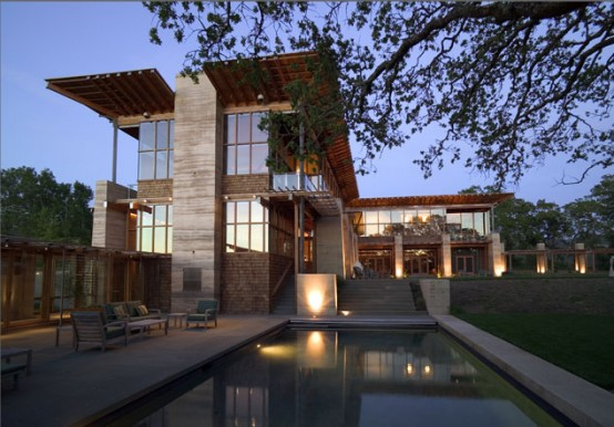 large-residence-with-vineyard-meaow-and-oak-forest-1-554x386