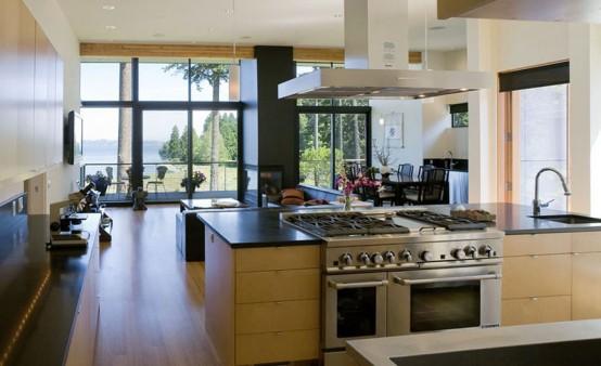 three-level-waterfront-modern-home-2-554x338