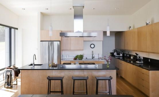 three-level-waterfront-modern-home-3-554x338