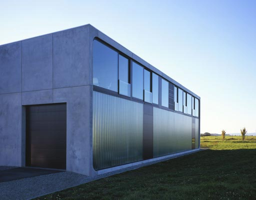 12 best prefab homes around the world for Precast concrete home plans