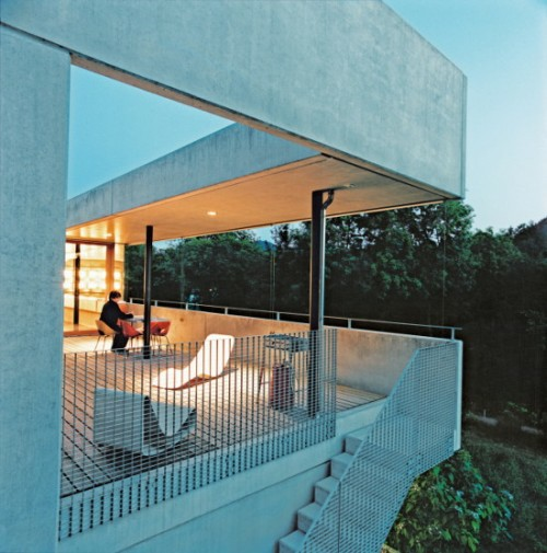 Concrete Prefab House in Switzerland7