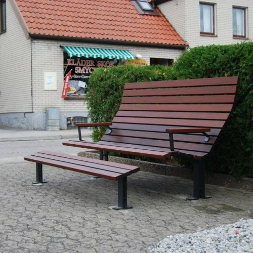 Kajen Public Bench by Thomas Bernstrand2