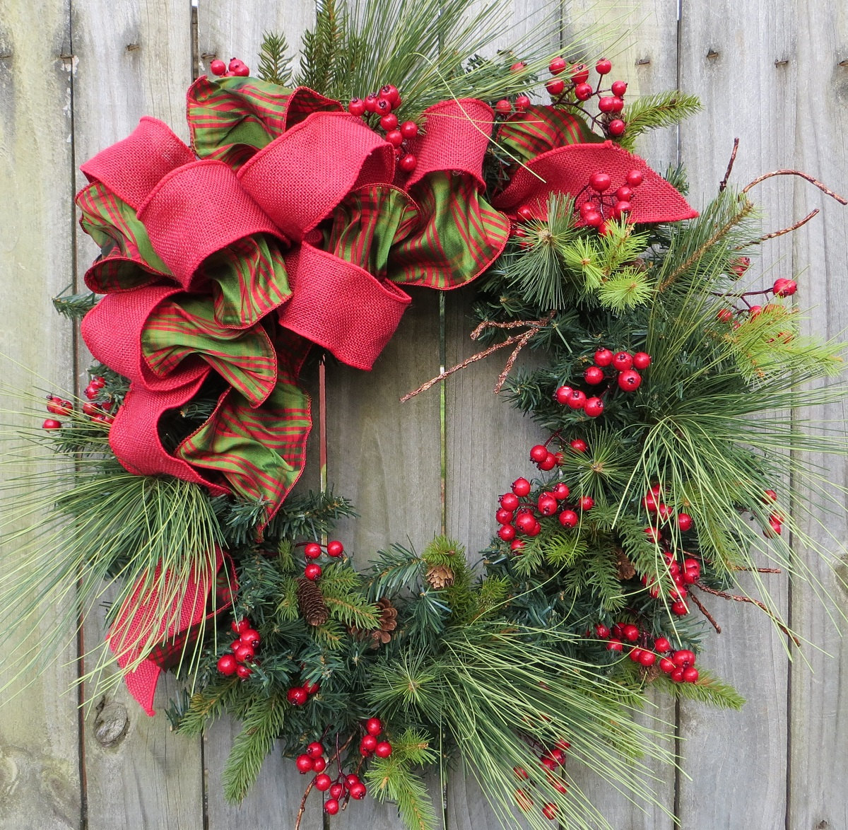 Christmas wreath decorating ideas for How to make christmas door wreaths