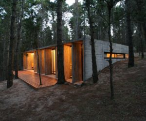 BAK Architects construct Concrete house in Mar Azul Forest