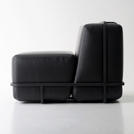 Frame Sofa by Hyung Suk Cho1