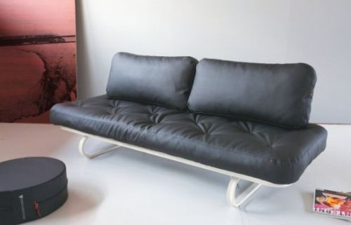 The Leash Sofa by Per Weiss1