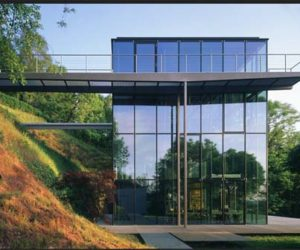 Eco Friendly, Reusable House By Broadhurst Architects · Clear Glass House  Is Triple Zero Climate Friendly