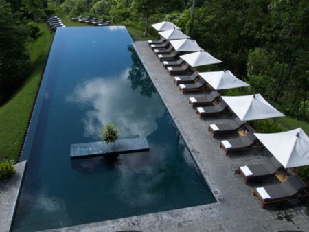 Unusual Swimming Pools Around The World - Unusual-swimming-pools-around-the-world