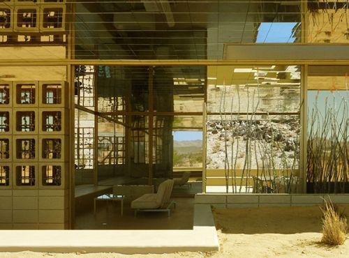 Acido Dorado: A Golden House with Golden Interiors