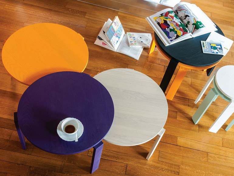 Twins low stackable coffee table