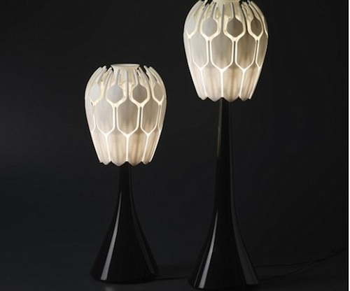 Bloom Lamp: A Lamp That Blossoms into a Flower for Lighting