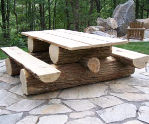 How To Decorate The Yard With A Picnic Table