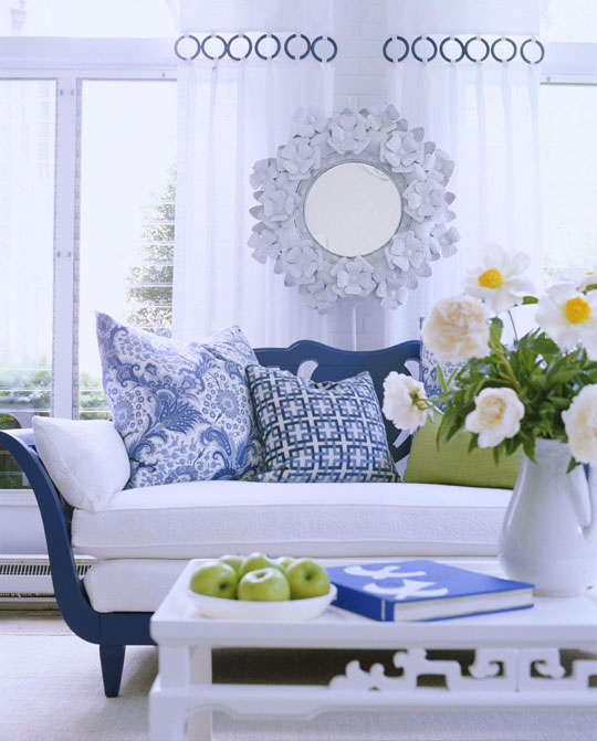 How To Decorate With A White And Blue Combo