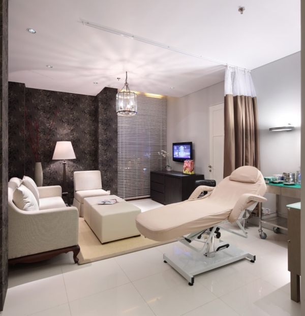 Health Clinic With A Hygienic Look