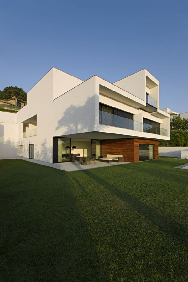 Beautiful Contemporary House In Portugal