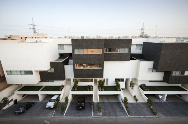 The Contemporary Black and White House by AGi Architects
