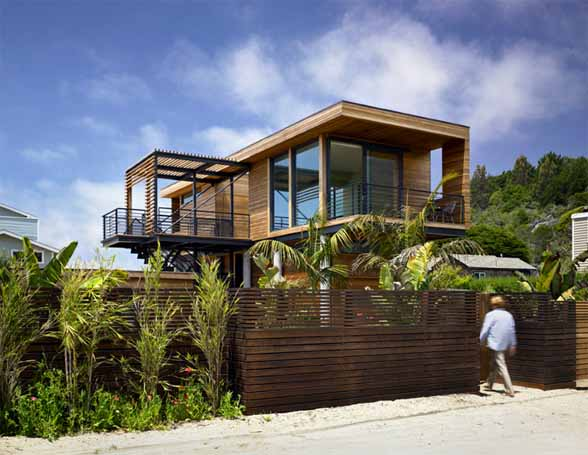 The Prefab Flood Proof House - Tafoni-prefab-floating-house-is-motivated-by-the-california-coast