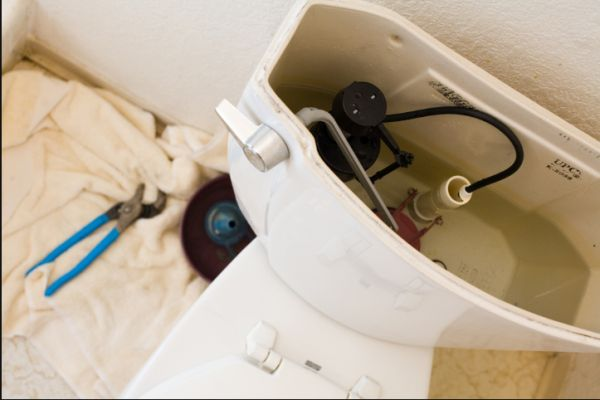 Installing Shut Off Toilet Valve – 3 Reasons Why to Do This