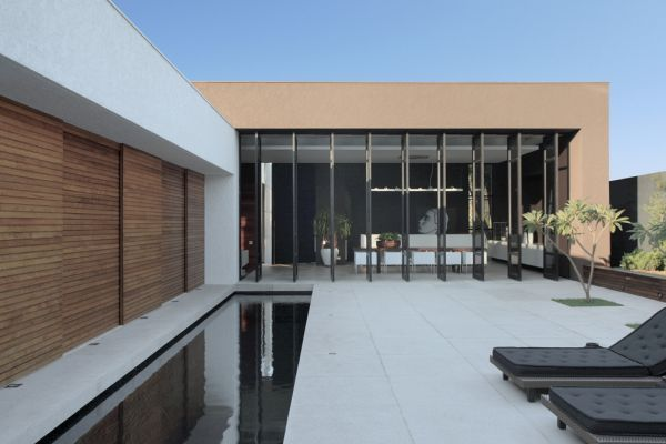 Superior Top Class Fashionable House In Londrina, Brazil Design Inspirations