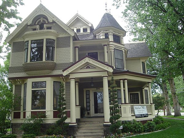 How to paint a victorian style home for Victorian themed house