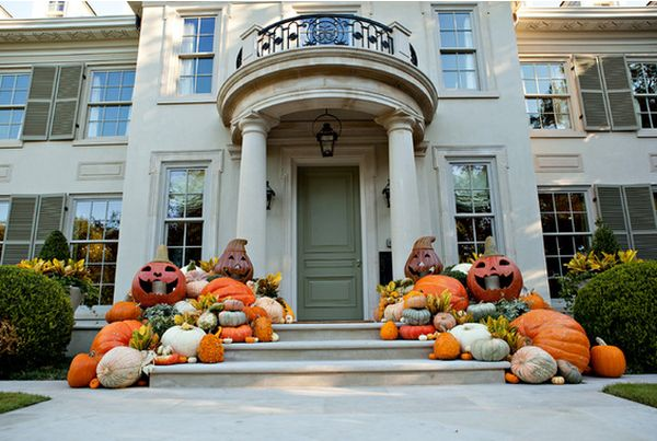the front door steps - Decorate House For Halloween