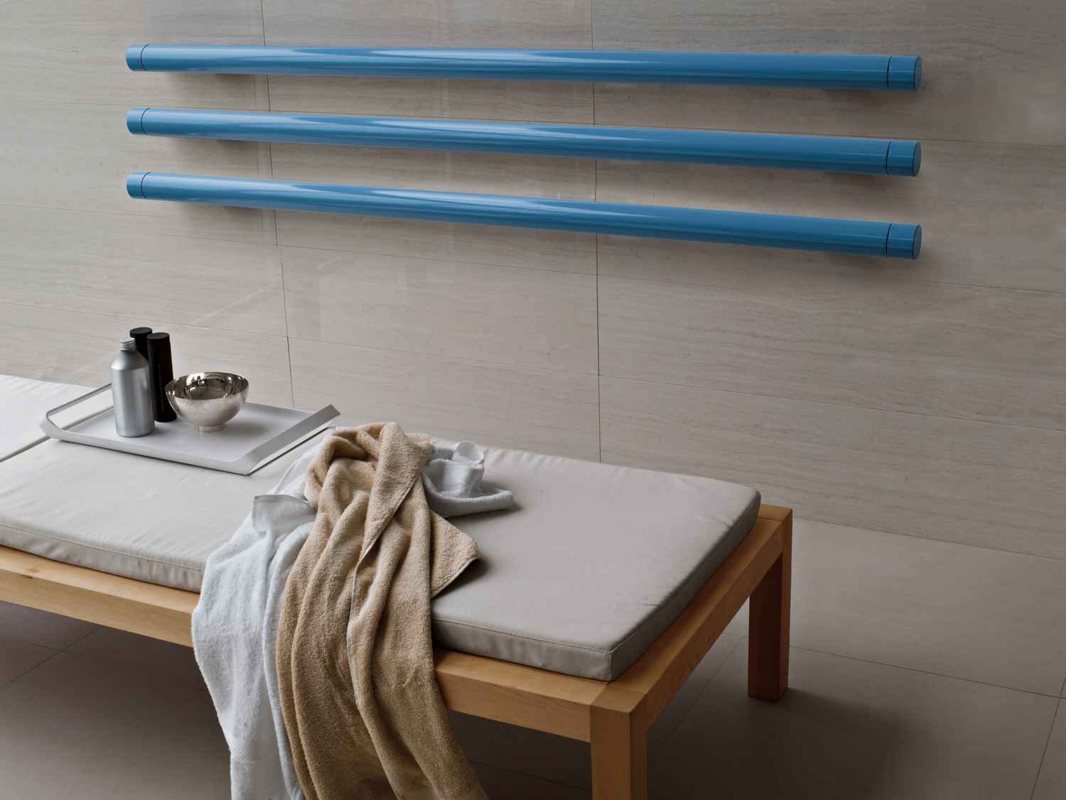 horizontal-wall-mounted-decorative-radiator