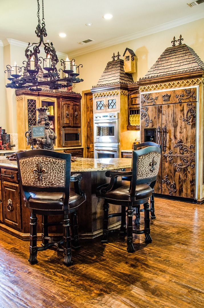 Decorate Your Home Using The Old World Style