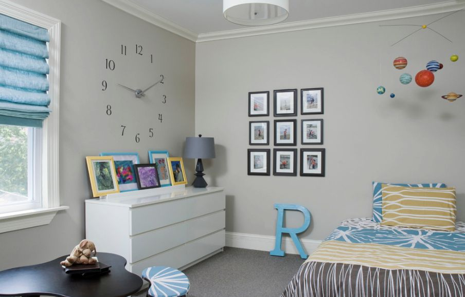 decorating with clocks it s time to reinvent your home rh homedit com School Room Clocks Living Room Clocks