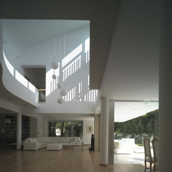 House in Ekali Greece by ARchitect Thanos Athanasopoulos
