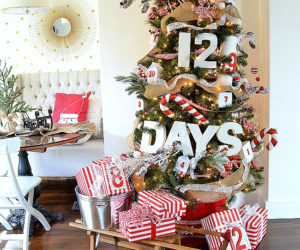 13 Off-Beat Ways To Decorate The Christmas Tree This Year