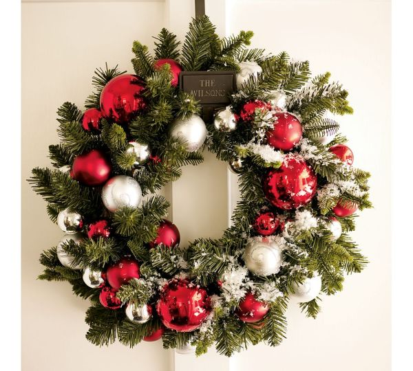15 Christmas Wreath Ideas for 2010 by Potterybarn