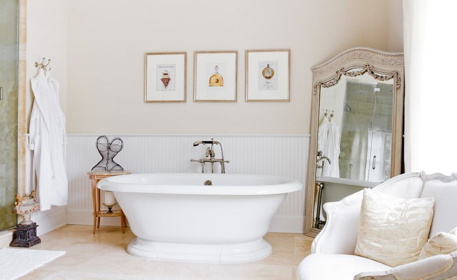 Framed wall art & 9 Ways To Bring Style Into The Bathroom
