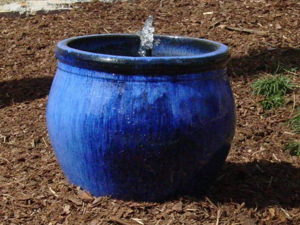 Small Water Garden Needs No Electricity Just Place Pots: How To Build An Indoor Fountain?