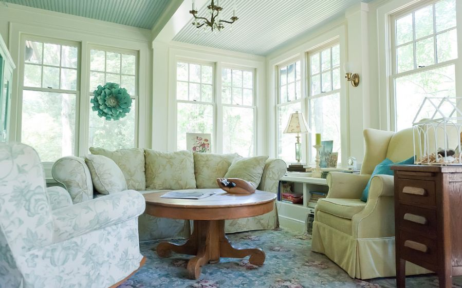 Useful Tips For Decorating The Living Room Area